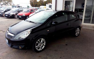 Opel Corsa 1.2 Cosmo – € 2.800